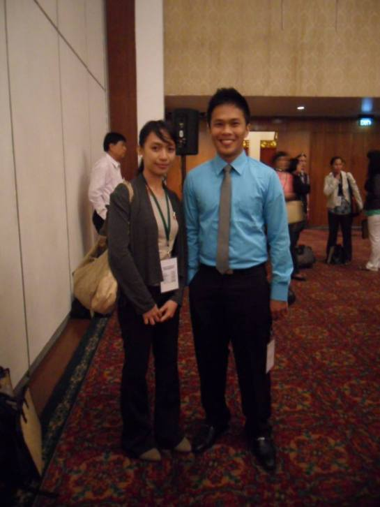 And its not just me. I had a reunion with my college classmate, also a presenter in the convention. We're growing old, but really successful. haha