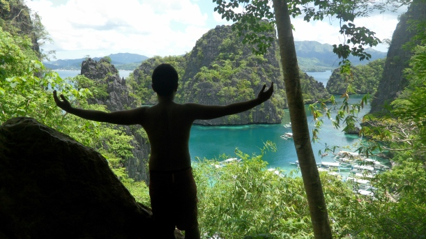 Kayangan Lake, the one usually printed into postcards! Yehey, been here!