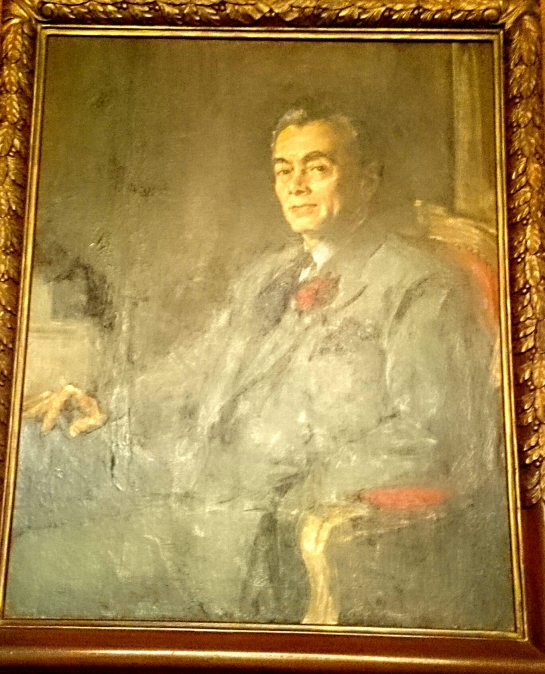 Portrait of the first president of the Philippine Commonwealth. Pres. Quezon died of TB. hehe I had to say that because I can very much relate to that sad story. =(