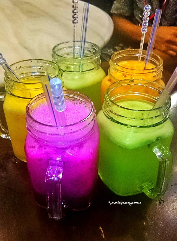 Try these fresh juices at the melting pot for 6 ringgits. They have dragon fruit, orange, carrot, and kiwi. =)