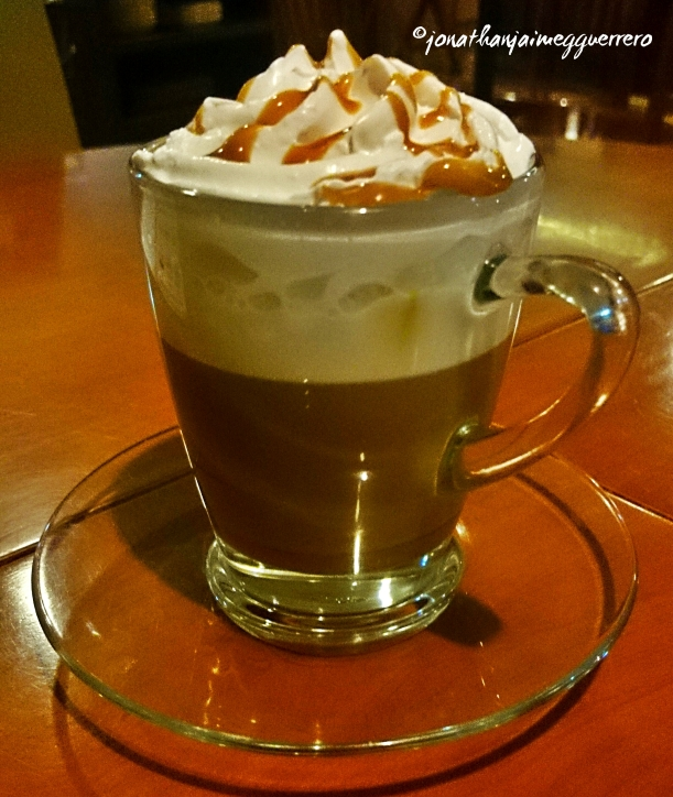 If you feel like working on things for your start of the week presentation in the office, do it with some hot Café Moccha Caramel. Also available in Chocolate flavor. =) At 1st Colonial Grill