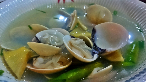 Some shellfish cooked to suit your taste. Find out the many exciting seafoods at Baybay Beach!