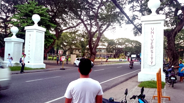 The gates of Siliman University is open for everyone. In fact, this road is a major road in the city.