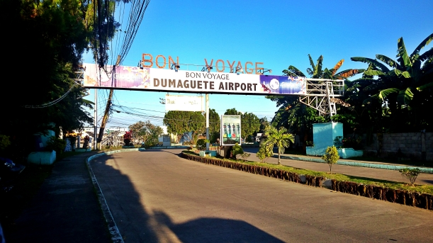 entrance to the Dumaguete airport